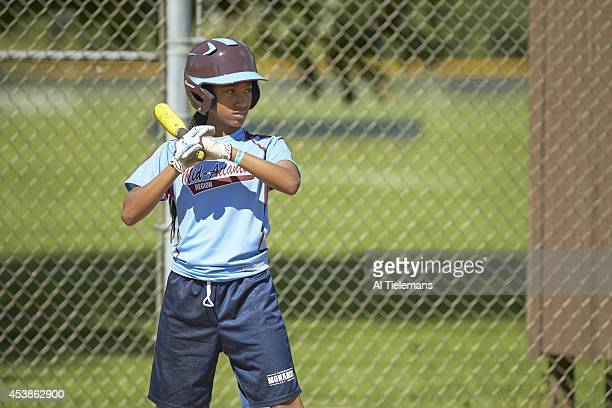 Little League World Series MidAtlantic Region Team Mo'ne Davis of Taney Youth Association from Philadelphia takes batting practice before Round 1 of...