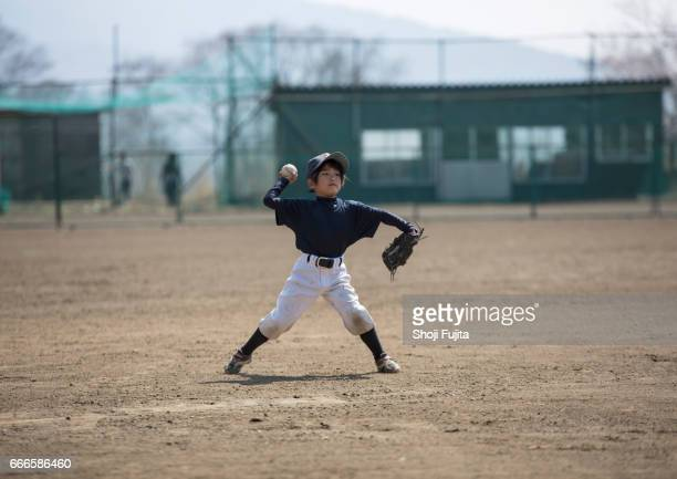 Youth Baseball Players,Defensive practice