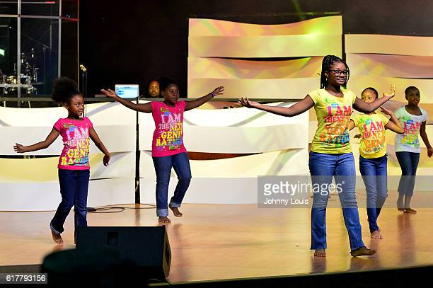 Youth dance ministry performs before Former US President Bill Clinton arrives at The Fountain of New Life Church on Sunday October 23 2016 in Miami...