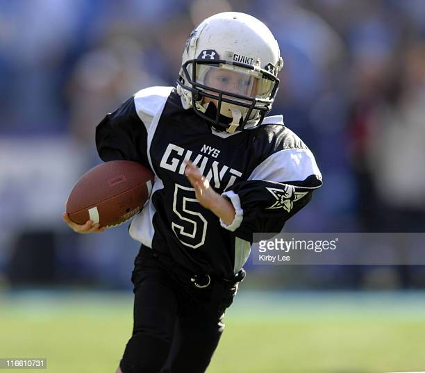San Diego Chargers Cardinals: Peewee Football Stock Photos And Pictures