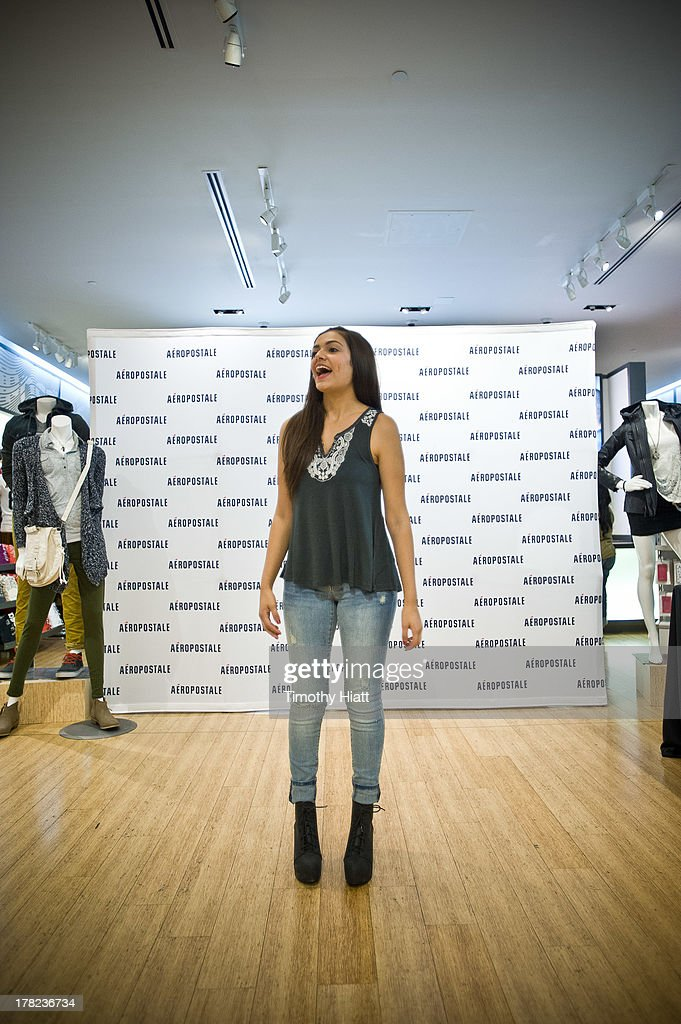 YouTube Celebrity Bethany 'Macbarbie07' Mota attends an exclusive meet & greet at the Woodfield mall Aeropostale on August 27, 2013 in Chicago, Illinois.