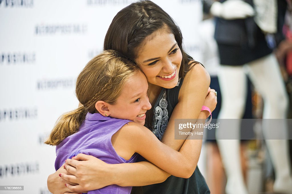 YouTube Celebrity Bethany 'Macbarbie07' Mota meets with fans at an exclusive meet & greet at the Woodfield mall Aeropostale on August 27, 2013 in Chicago, Illinois.