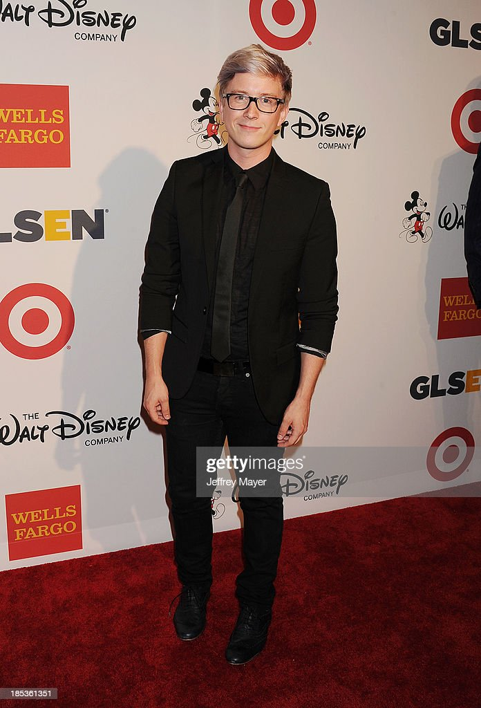 YouTube personality Tyler Oakley attends the 9th Annual GLSEN Respect Awards held at the Beverly Hills Hotel on October 18, 2013 in Beverly Hills, California.