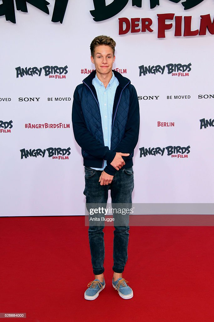 Youtube star Luca aka ConCrafter attends the Berlin premiere of the film 'Angry Birds - Der Film' at CineStar on May 1, 2016 in Berlin, Germany.