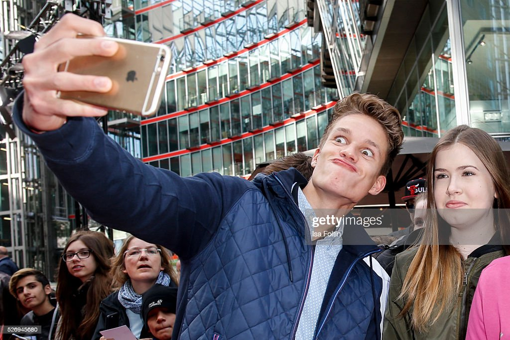 Youtube star Luca aka ConCrafter with fans during the Berlin premiere of the film 'Angry Birds - Der Film' at CineStar on May 1, 2016 in Berlin, Germany.