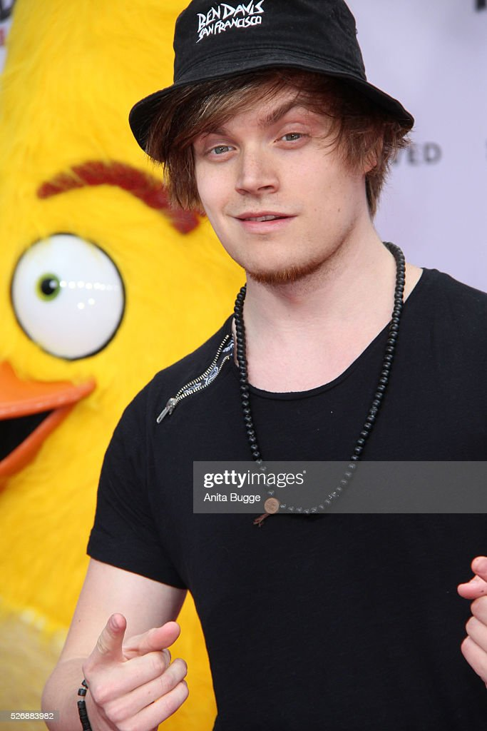 Youtube star Viktor aka iBlali attends the Berlin premiere of the film 'Angry Birds - Der Film' at CineStar on May 1, 2016 in Berlin, Germany.