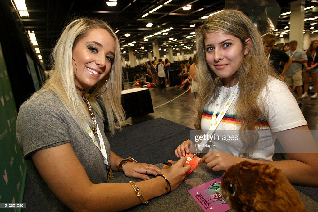 Youtuber <a gi-track='captionPersonalityLinkClicked' href=/galleries/search?phrase=Jenna+Marbles&family=editorial&specificpeople=10484446 ng-click='$event.stopPropagation()'>Jenna Marbles</a> (left) attends VidCon at the Anaheim Convention Center on June 24, 2016 in Anaheim, California.