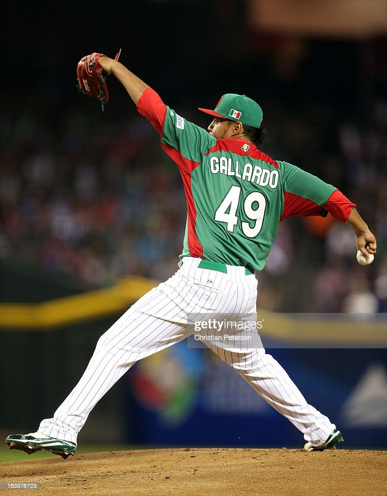 <a gi-track='captionPersonalityLinkClicked' href=/galleries/search?phrase=Yovani+Gallardo&family=editorial&specificpeople=757367 ng-click='$event.stopPropagation()'>Yovani Gallardo</a>#49 of Mexico throws a pitch against the United States during the World Baseball Classic First Round Group D game at Chase Field on March 8, 2013 in Phoenix, Arizona.