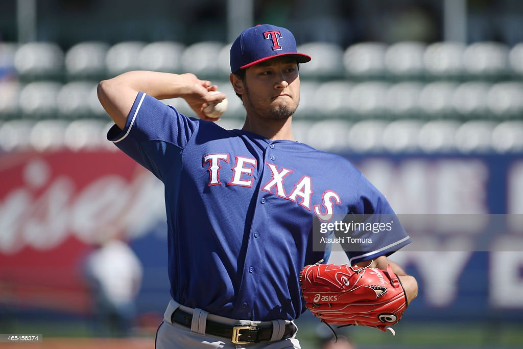 <a gi-track='captionPersonalityLinkClicked' href=/galleries/search?phrase=Yu+Darvish&family=editorial&specificpeople=4018539 ng-click='$event.stopPropagation()'>Yu Darvish</a> #11 of the Texas Rangers pitches in the spring training game against the Kansas City Royals at Surprise Stadium on March 5, 2015 in Surprise, Arizona.