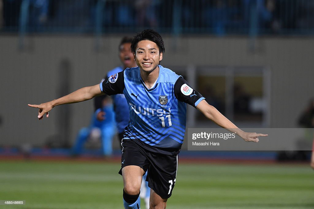 <a gi-track='captionPersonalityLinkClicked' href=/galleries/search?phrase=Yu+Kobayashi+-+Soccer+Player&family=editorial&specificpeople=7733608 ng-click='$event.stopPropagation()'>Yu Kobayashi</a> #11 of Kawasaki Frontale celebrates the first goal during the AFC Champions League Round of 16 match between Kawasaki Frontale and FC Seoul at Todoroki Stadium on May 7, 2014 in Kawasaki, Japan.