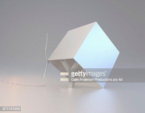 Yuan symbol inside box trap