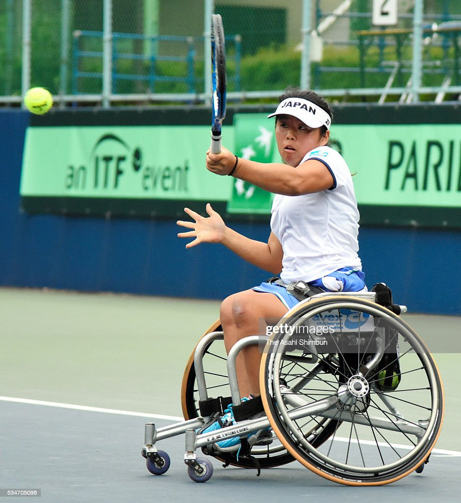 <a gi-track='captionPersonalityLinkClicked' href=/galleries/search?phrase=Yui+Kamiji&family=editorial&specificpeople=9691203 ng-click='$event.stopPropagation()'>Yui Kamiji</a> of Japan plays a forehand at the Women's Bronze Medal match betwen Japan and Russia during the World Team Cup at Ariake Tennis Courts on May 27, 2016 in Tokyo, Japan.