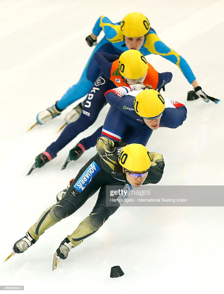 <a gi-track='captionPersonalityLinkClicked' href=/galleries/search?phrase=Yui+Sakai&family=editorial&specificpeople=6521438 ng-click='$event.stopPropagation()'>Yui Sakai</a> of Japan leads the pack during the Ladies' 1000m Heats on day one of the ISU World Short Track Speed Skating Championships at the Krylatskoe Speed Skating Centre on March 13, 2015 in Moscow, Russia.