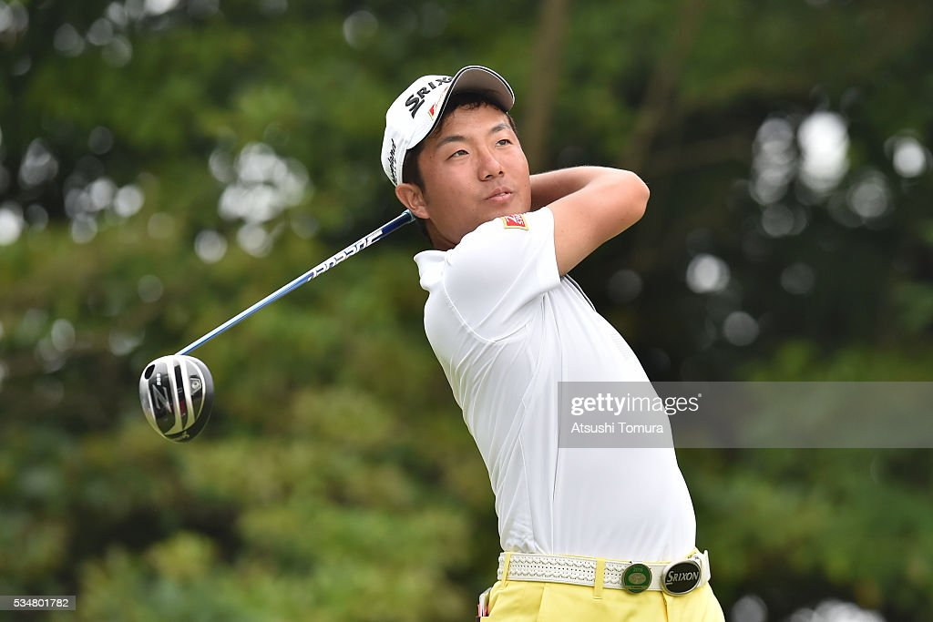 Yuki Inamori of Japan hits his tee shot on the 6th hole during the 3rd round of the Mizuno Open at JFE Setonaikai Golf Club on May 28, 2016 in Okayama, Japan.
