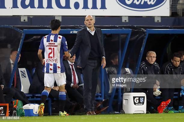 Yuki Kobayashi of sc Heerenveen coach Jurgen Streppel of sc Heerenveenduring the Dutch Eredivisie match between sc Heerenveen and PSV Eindhoven at...