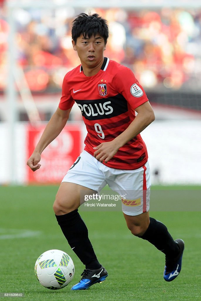 Yuki Muto of Urawa Red Diamonds in action during the J.League match between Urawa Red Diamonds and Albirex Niigata at the Saitama Stadium on May 14, 2016 in Saitama, Japan.