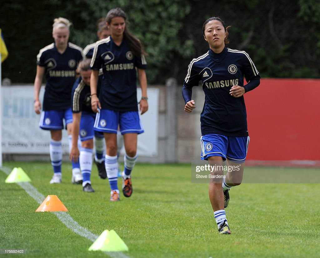 <a gi-track='captionPersonalityLinkClicked' href=/galleries/search?phrase=Yuki+Ogimi&family=editorial&specificpeople=9532711 ng-click='$event.stopPropagation()'>Yuki Ogimi</a> of Chelsea Ladies FC warms up before the FA Women's Super League match between Chelsea Ladies FC and Doncaster Rovers Belles Ladies FC at the Wheatsheaf Stadium on August 4, 2013 in Staines, England.
