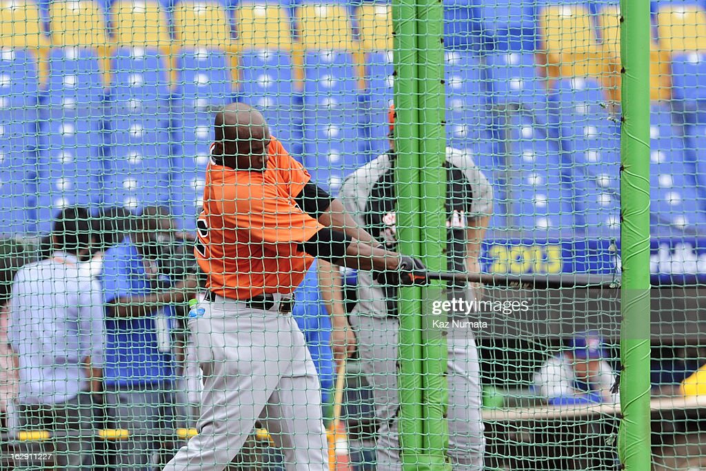 Yurendell de Caster #22 of Team Netherlands takes batting practice during the World Baseball Classic workout day at Taichung Intercontinental Baseball Stadium on March 1, 2013 in Taichung, Taiwan.