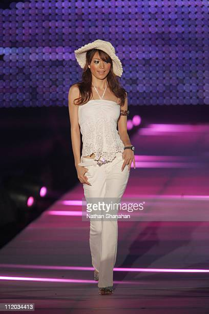 Yuri Ebihara wearing Silver JEANS during the Tokyo Girls Collection by girlswalkercom 2006 Spring/Summer