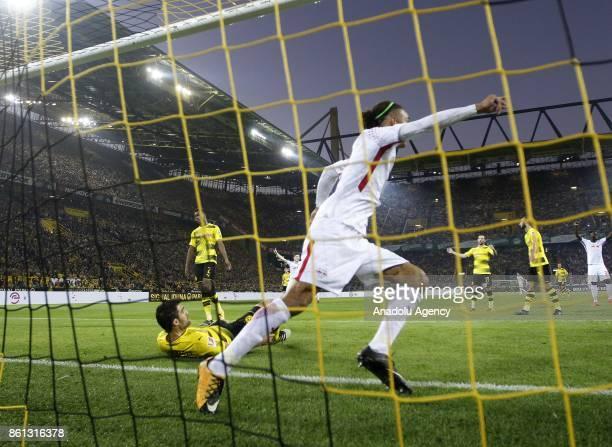 Yussuf Poulsen of Rasenballsport Leipzig scores a goal during the Bundesliga soccer match between Borussia Dortmund and Rasenballsport Leipzig at...