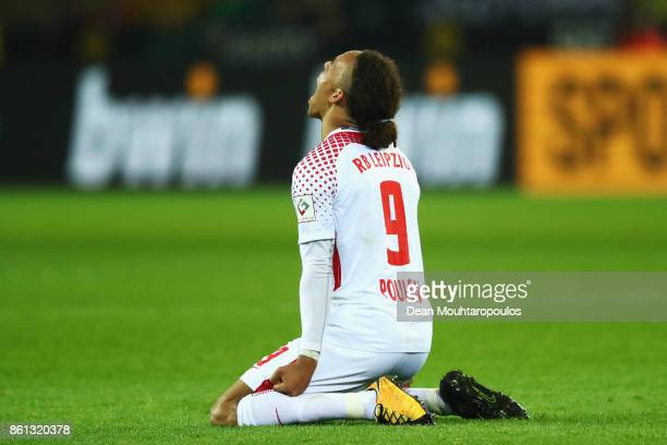 Yussuf Poulsen of RB Leipzig celebrates victory on the final whistle after the Bundesliga match between Borussia Dortmund and RB Leipzig at Signal...