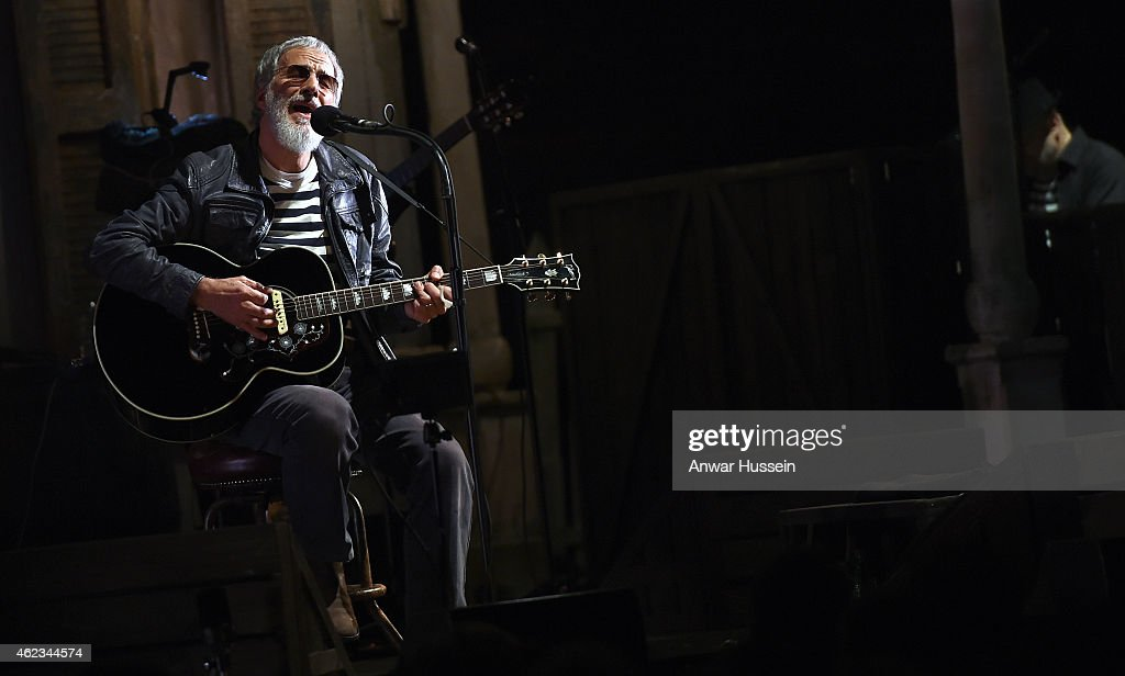 <a gi-track='captionPersonalityLinkClicked' href=/galleries/search?phrase=Yusuf+Islam&family=editorial&specificpeople=204235 ng-click='$event.stopPropagation()'>Yusuf Islam</a>, formerly known as Cat Stevens, performs at the Hammersmith Apollo on November 05, 2014 in London, England.