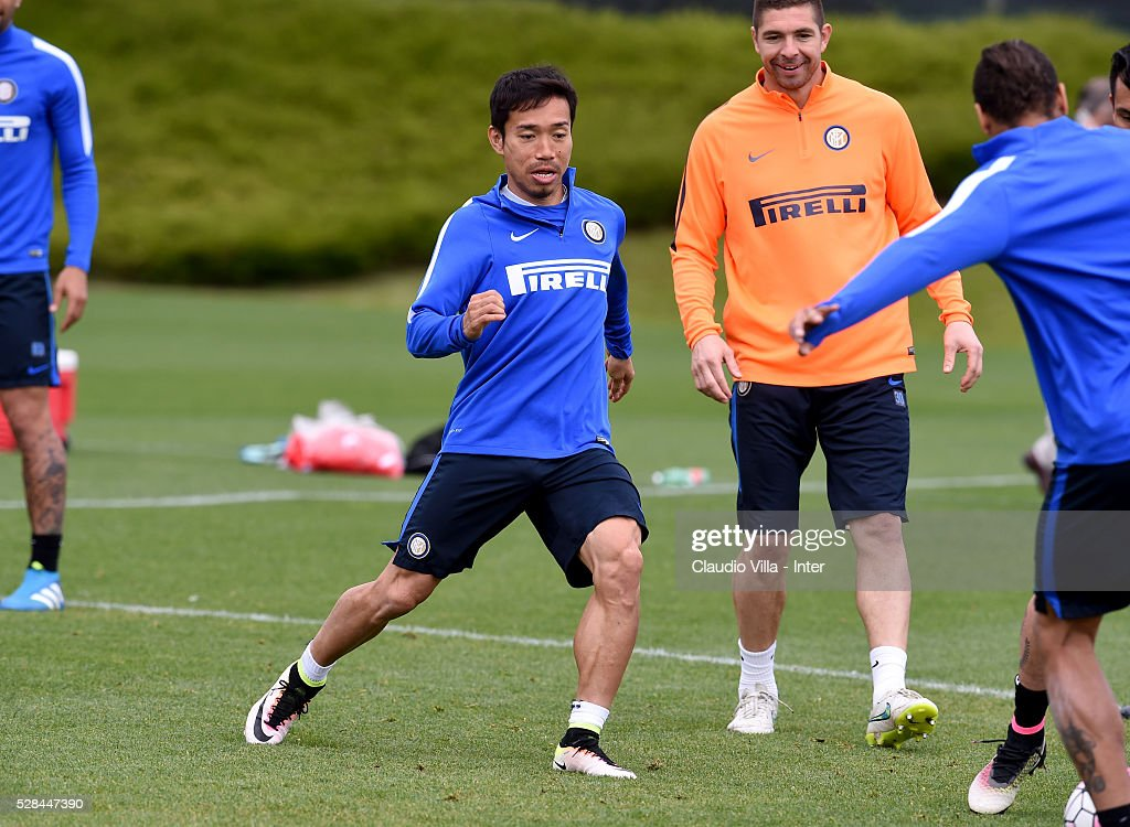 <a gi-track='captionPersonalityLinkClicked' href=/galleries/search?phrase=Yuto+Nagatomo&family=editorial&specificpeople=4320811 ng-click='$event.stopPropagation()'>Yuto Nagatomo</a> in action during the FC Internazionale training session at the club's training ground at Appiano Gentile on May 5, 2016 in Como, Italy.