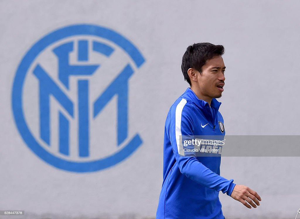 <a gi-track='captionPersonalityLinkClicked' href=/galleries/search?phrase=Yuto+Nagatomo&family=editorial&specificpeople=4320811 ng-click='$event.stopPropagation()'>Yuto Nagatomo</a> looks on during the FC Internazionale training session at the club's training ground at Appiano Gentile on May 5, 2016 in Como, Italy.