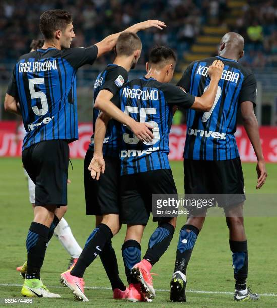 Yuto Nagatomo of FC Internazionale Milano celebrates his goal with his teammates during the Serie A match between FC Internazionale and Udinese...