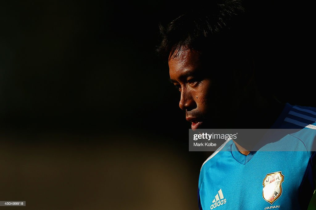 <a gi-track='captionPersonalityLinkClicked' href=/galleries/search?phrase=Yuto+Nagatomo&family=editorial&specificpeople=4320811 ng-click='$event.stopPropagation()'>Yuto Nagatomo</a> watches on during a Japan training session at the Japan national team base camp at the Spa Sport Resort on June 12, 2014 in Itu, Sao Paulo.