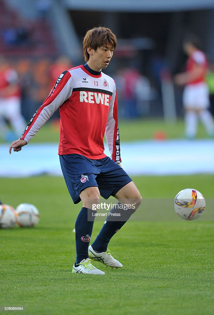 <a gi-track='captionPersonalityLinkClicked' href=/galleries/search?phrase=Yuya+Osako&family=editorial&specificpeople=5765568 ng-click='$event.stopPropagation()'>Yuya Osako</a> of 1. FC Koeln warms up before the Bundesliga match between FC Augsburg and 1. FC Koeln at WWK Arena on April 29, 2016 in Augsburg, Germany.
