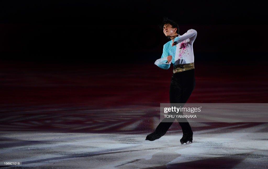 Yuzuru Hanyu of Japan performs during an exhibition in the NHK Trophy, the last leg of the six-stage ISU figure skating Grand Prix series, in Rifu, northern Japan, on November 25, 2012. AFP PHOTO/Toru YAMANAKA