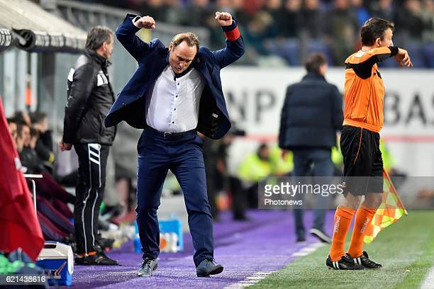 Yves Vanderhaeghe Head Coach of KV Oostende reacts during the Jupiler Pro League match between RSC Anderlecht and KV Oostende at the Constant Vanden...