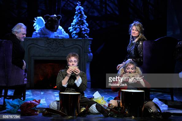 Yvonne Howard as Gertrud Thomas Allen as Peter Ailish Tynan as Gretel and Christine Rice as Hansel in the Royal Opera's production of Engelbert...