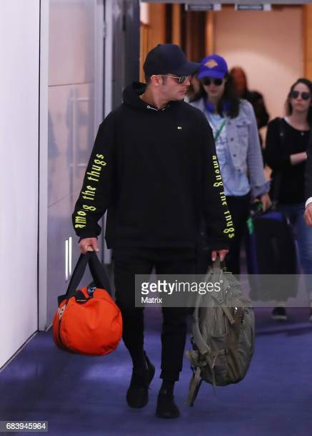 Zac Efron and Alexandra Daddario arrive into Sydney for the Baywatch film premiere on May 17 2017 in Sydney Australia