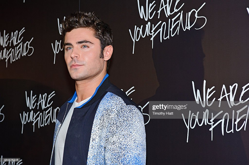 Zac Efron attends the Chicago premiere of 'We Are Your Friends' at Showplace Icon Theater on August 19, 2015 in Chicago, Illinois.