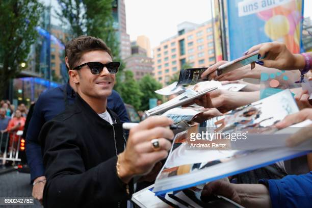 Zac Efron attends the European premiere of 'Baywatch' at Cinestar on May 30 2017 in Berlin Germany