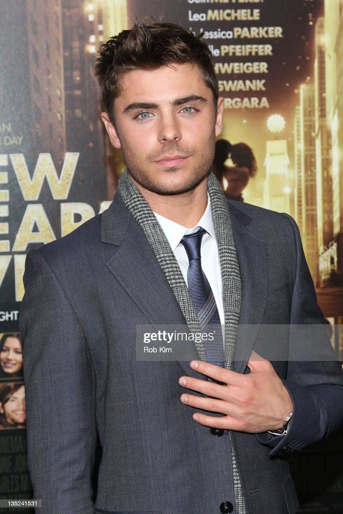 <a gi-track='captionPersonalityLinkClicked' href=/galleries/search?phrase=Zac+Efron&family=editorial&specificpeople=533070 ng-click='$event.stopPropagation()'>Zac Efron</a> attends the 'New Year's Eve' premiere at the Ziegfeld Theatre on December 7, 2011 in New York City.