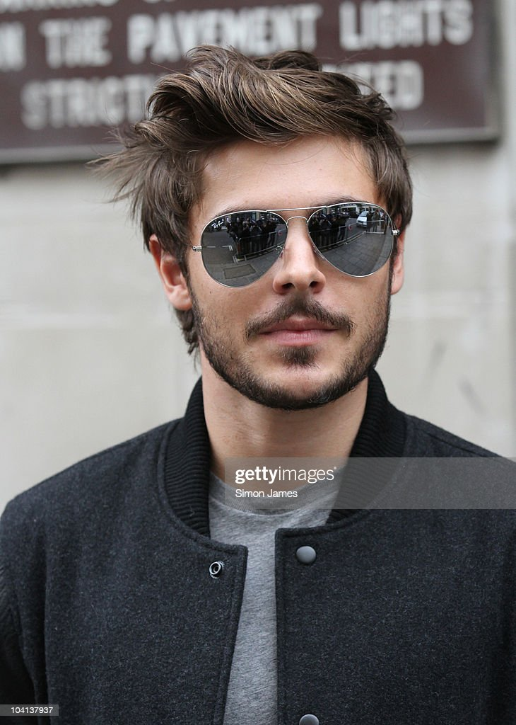 Zac Efron sighted leaving BBC radio one on September 16, 2010 in London, England. Show more - zac-efron-sighted-leaving-bbc-radio-one-on-september-16-2010-in-picture-id104137937
