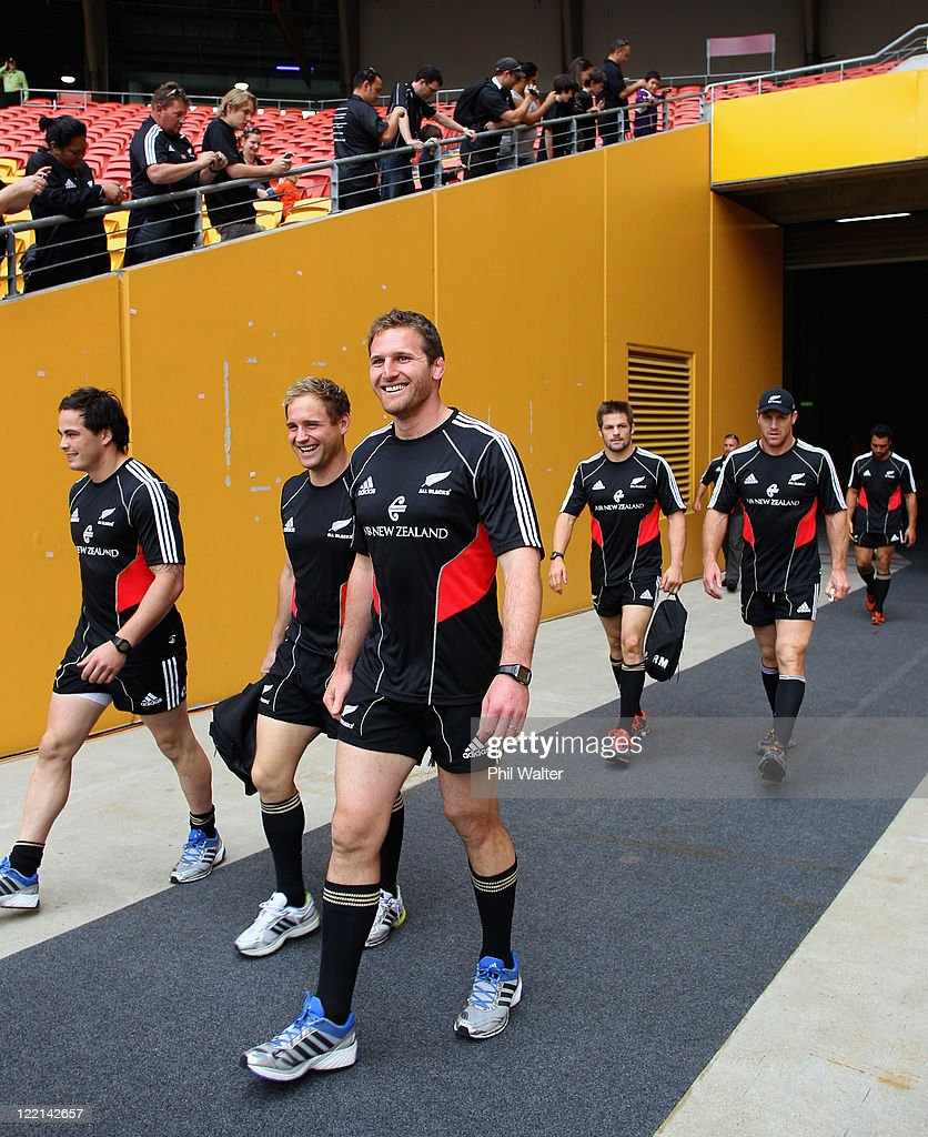 Zac Guildford Andy Ellis Kieran Read Richie McCaw and Brad Thorn of the All Blacks walk out of the players tunnel for the New Zealand All Blacks...