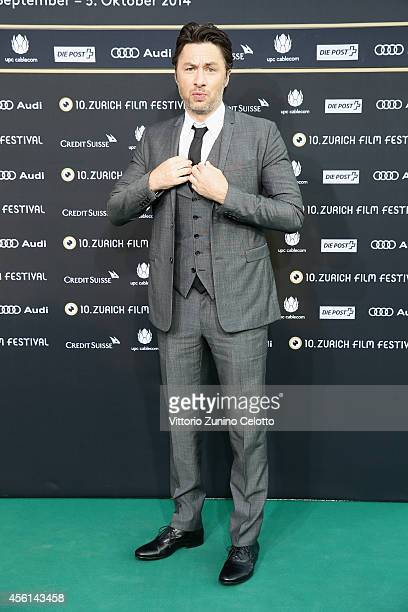 Zach Braff attends the Career Achievement Award Arrivals during Day 2 of Zurich Film Festival 2014 on September 26 2014 in Zurich Switzerland