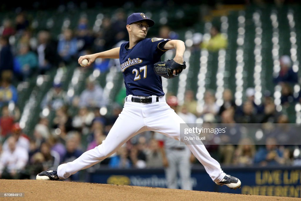 Zach Davies #27 of the Milwaukee Brewers pitches in the first inning against the St. Louis Cardinals at Miller Park on April 20, 2017 in Milwaukee, Wisconsin.