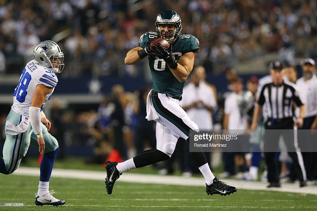 <a gi-track='captionPersonalityLinkClicked' href=/galleries/search?phrase=Zach+Ertz&family=editorial&specificpeople=7172878 ng-click='$event.stopPropagation()'>Zach Ertz</a> #86 of the Philadelphia Eagles catches a pass in the first quarter against the Dallas Cowboys at Cowboys Stadium on December 29, 2013 in Arlington, Texas.