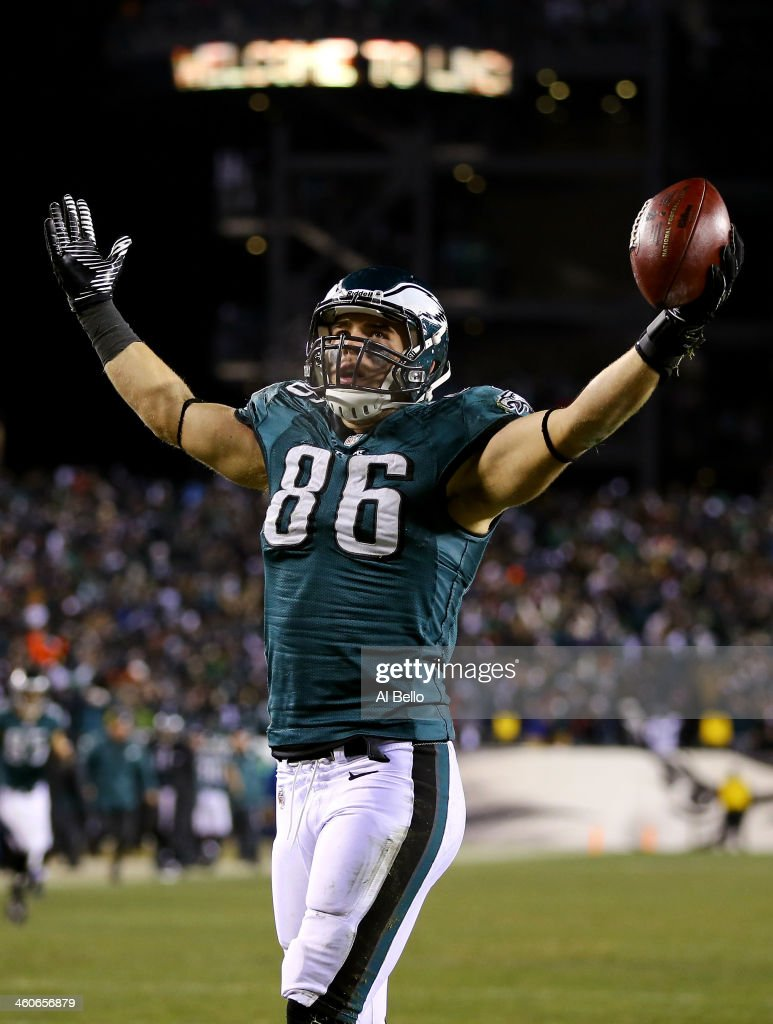 <a gi-track='captionPersonalityLinkClicked' href=/galleries/search?phrase=Zach+Ertz&family=editorial&specificpeople=7172878 ng-click='$event.stopPropagation()'>Zach Ertz</a> #86 of the Philadelphia Eagles celebrates after scoring a 3 yard touchdown pass from Nick Foles #9 in the fourth quarter against the New Orleans Saints to take the lead 24-23 during their NFC Wild Card Playoff game at Lincoln Financial Field on January 4, 2014 in Philadelphia, Pennsylvania.