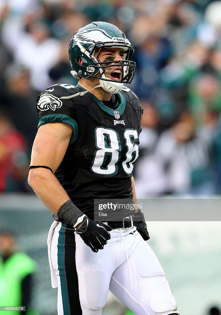 <a gi-track='captionPersonalityLinkClicked' href=/galleries/search?phrase=Zach+Ertz&family=editorial&specificpeople=7172878 ng-click='$event.stopPropagation()'>Zach Ertz</a> #86 of the Philadelphia Eagles celebrates his touchdown against the Arizona Cardinals on December 1, 2013 at Lincoln Financial Field in Philadelphia, Pennslyvania.The Philadelphia Eagles defeated the Arizona Cardinals 24-21.