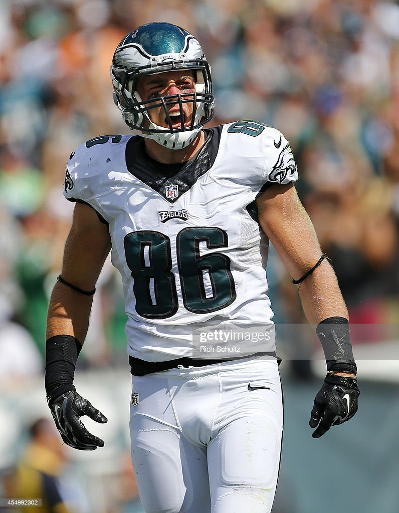 Zach Ertz #86 of the Philadelphia Eagles reacts after catching a 25 yard touch down pass against the Jacksonville Jaguars during the third quarter of a NFL game at Lincoln Financial Field on September 7, 2014 in Philadelphia, Pennsylvania. The Eagles defeated the Jaguars 34-17.
