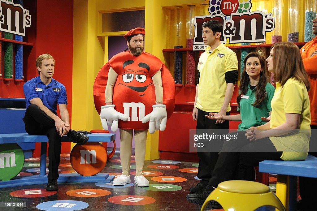 LIVE -- 'Zach Galifianakis' Episode 1639 -- Pictured: (l-r) Jason Sudeikis, Zach Galifianakis, Fred Armisen, Nasim Pedrad, znd Vanessa Bayer during a skit on May 4, 2013 --