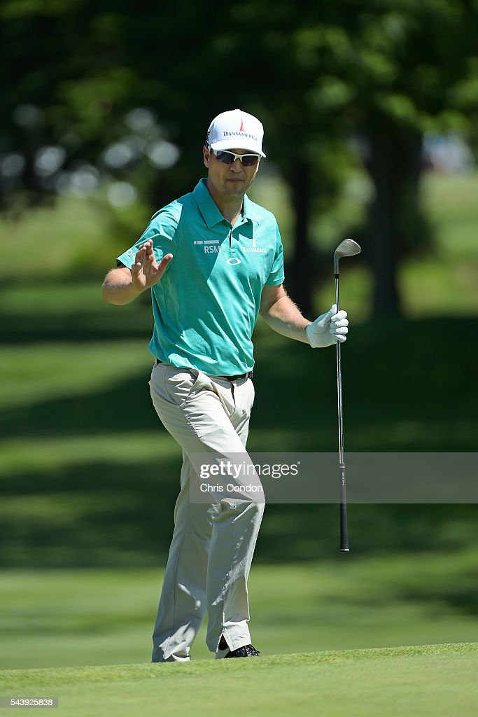 <a gi-track='captionPersonalityLinkClicked' href=/galleries/search?phrase=Zach+Johnson+-+Golfer&family=editorial&specificpeople=217976 ng-click='$event.stopPropagation()'>Zach Johnson</a> chips to the first green during the first round of the World Golf Championships-Bridgestone Invitational at Firestone Country Club on June 30, 2016 in Akron, Ohio.