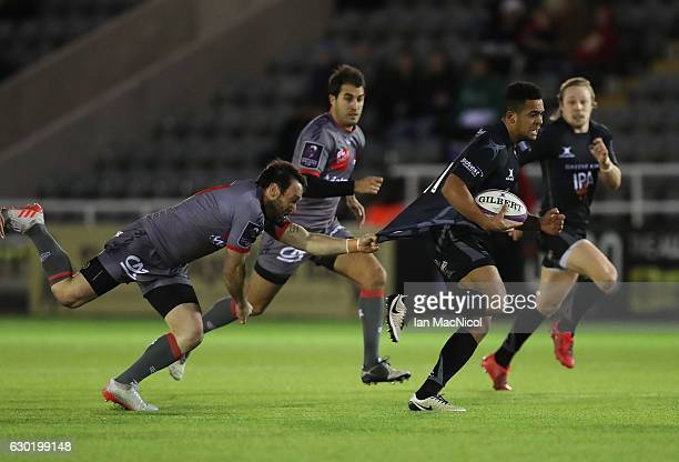 Zach Kibirige of Newcastle Falcons runs in to score a try during the European Rugby Challenge Cup match between Newcastle Falcons and Lyon at...