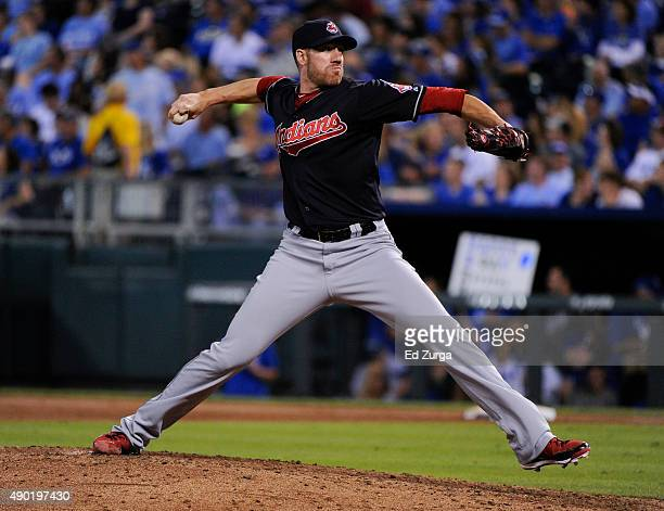 Zach McAllister of the Cleveland Indians throws in the sixth inning against the Kansas City Royals at Kauffman Stadium on September 26 2015 in Kansas...